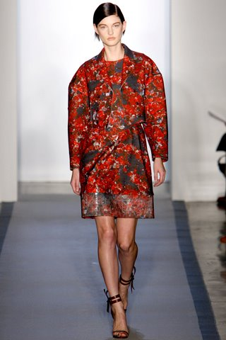 images/cast/10150533014957035=peter som Fall 2012 show new york COLOUR'S COMPANY